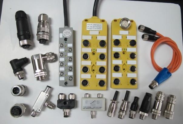 M8传感器执行器接线盒是工业连接器的一个种类。M8传感器执行器接线盒是将接入的一条电源或者数据通过分流转换,可以输出多条电流或数据信号的设备。那么,一般我们所说的M8传感器执行器接线盒指的就是线路插口为M8的分线盒。它与普通插座的不同之处在于,普通插座的电源输出只有正负两级,或者再有一条地线,而工业用的分线盒,电源输出是针状 I/O 端。